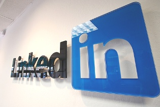 LinkedIn - Professional Networking